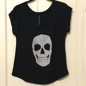 THE CLASSIC BLACK BEADED SKULL FACE SCOOP NECK TOP